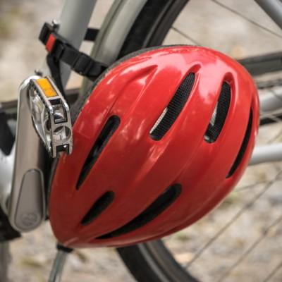 """Immer häufiger """"oben ohne"""": Zunehmender Leichtsinn bei Radfahrern"""